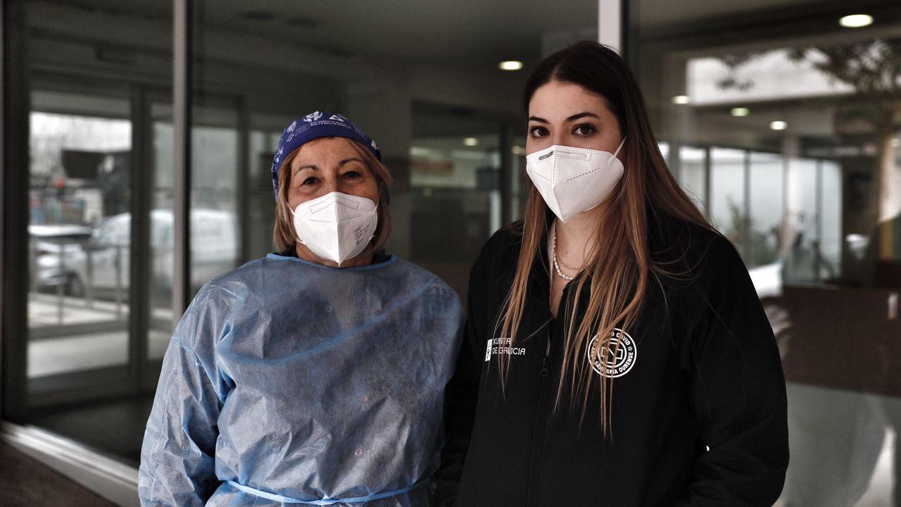 Luz María López y Melania Fraga, sanitarias