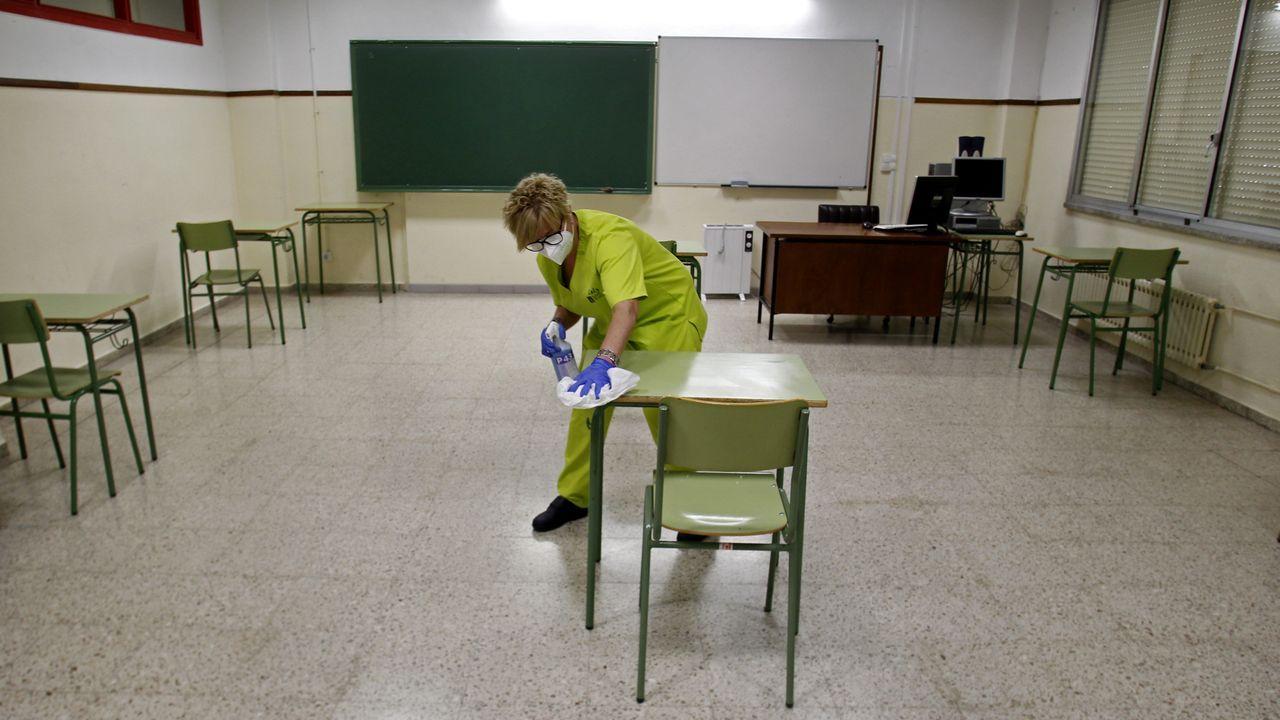 En la primera feria en Quiroga tras la crisis del coronavirus hubo menos clientes y menos vendedores de lo habitual