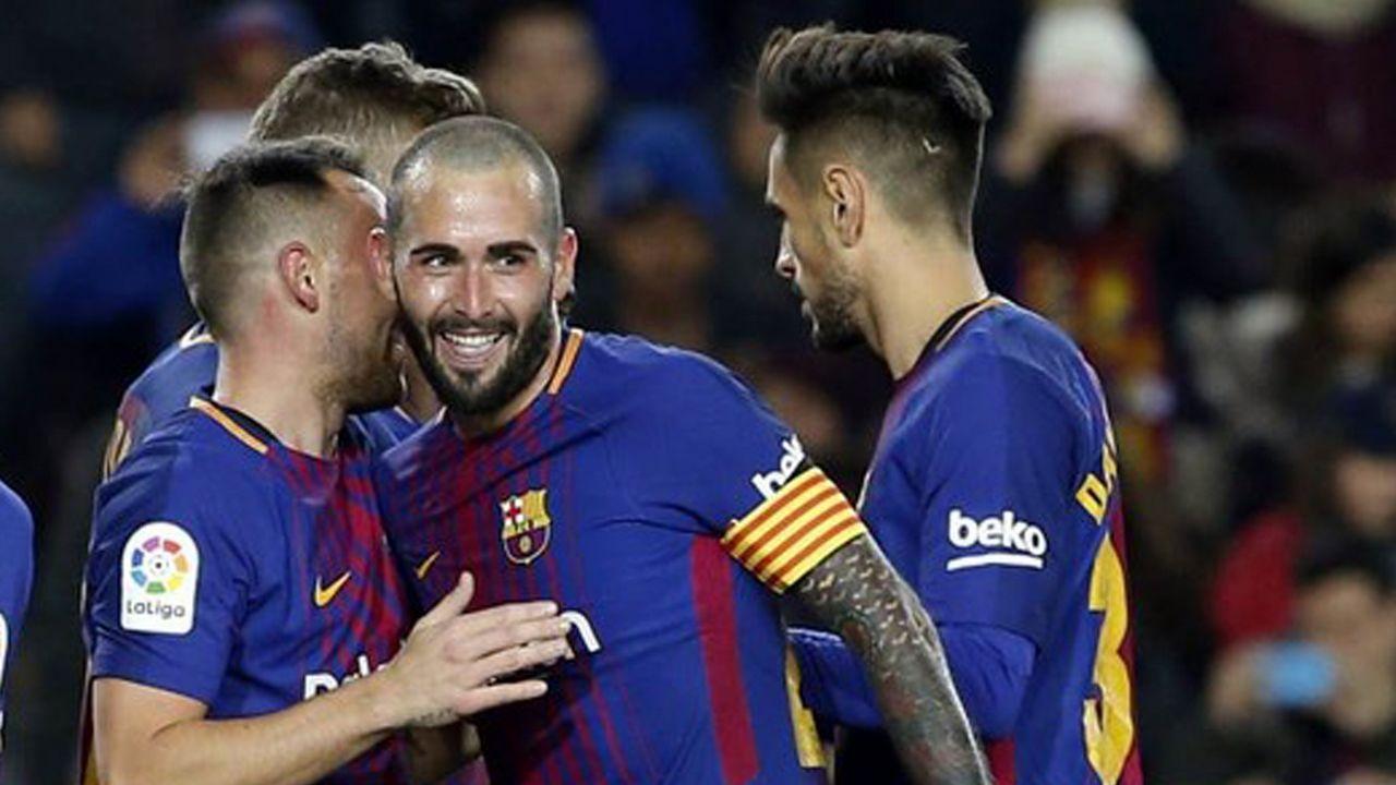 Aaron Horizontal.Jugadores del Barça B celebran un gol al Lugo