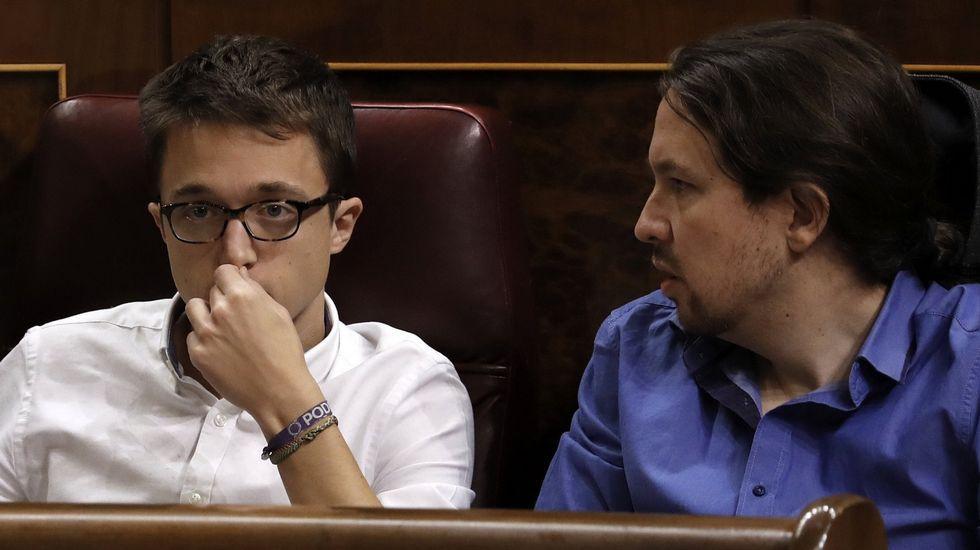 Pablo Iglesias vaticina «acuerdo en todo» en el consejo ciudadano de Podemos.Pablo Echenique, junto a dirigentes de Podemos Asturies en Mieres