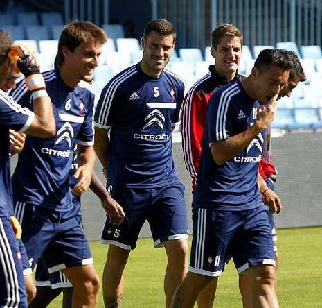 Túñez se entrenó ayer cons sus compañeros en Vigo.