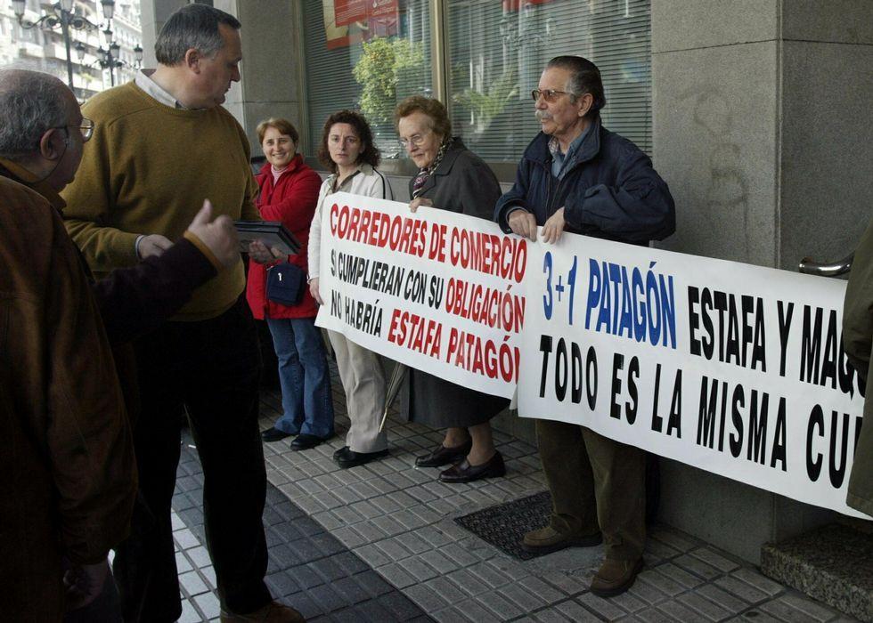 El inglés «top» de Caballero: «Very welcome everybody here».El consjero ejecutivo de GAM, Pedro Luis Fernández.
