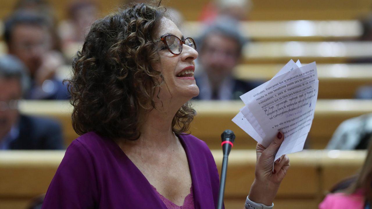 EN DIRECTO: Comparece la ministra portavoz María Jesús Montero.El ministro de Transportes, José Luis Ábalos, antes de su comparecencia en el Congreso