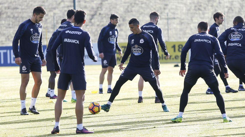 Borja Valle durante una sesión de entrenamiento en su etapa en el Real Oviedo