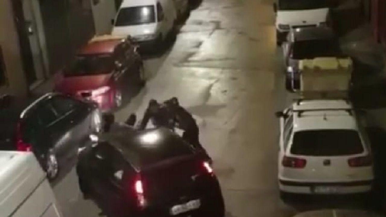 Una pareja intenta detener a dos ladrones que se dan a la fuga en A Coruña.Mucha gente espera para acceder a un supermercado de Canido
