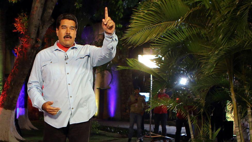 Vídeo clandestino de Leopoldo López.<span lang= es-es >Maduro viaja a Cuba</span>. El presidente venezolano celebró con Raúl Castro el 1 de mayo en La Habana. Con ellos estuvieron los cinco exespías cubanos liberados recientemente por Estados Unidos.