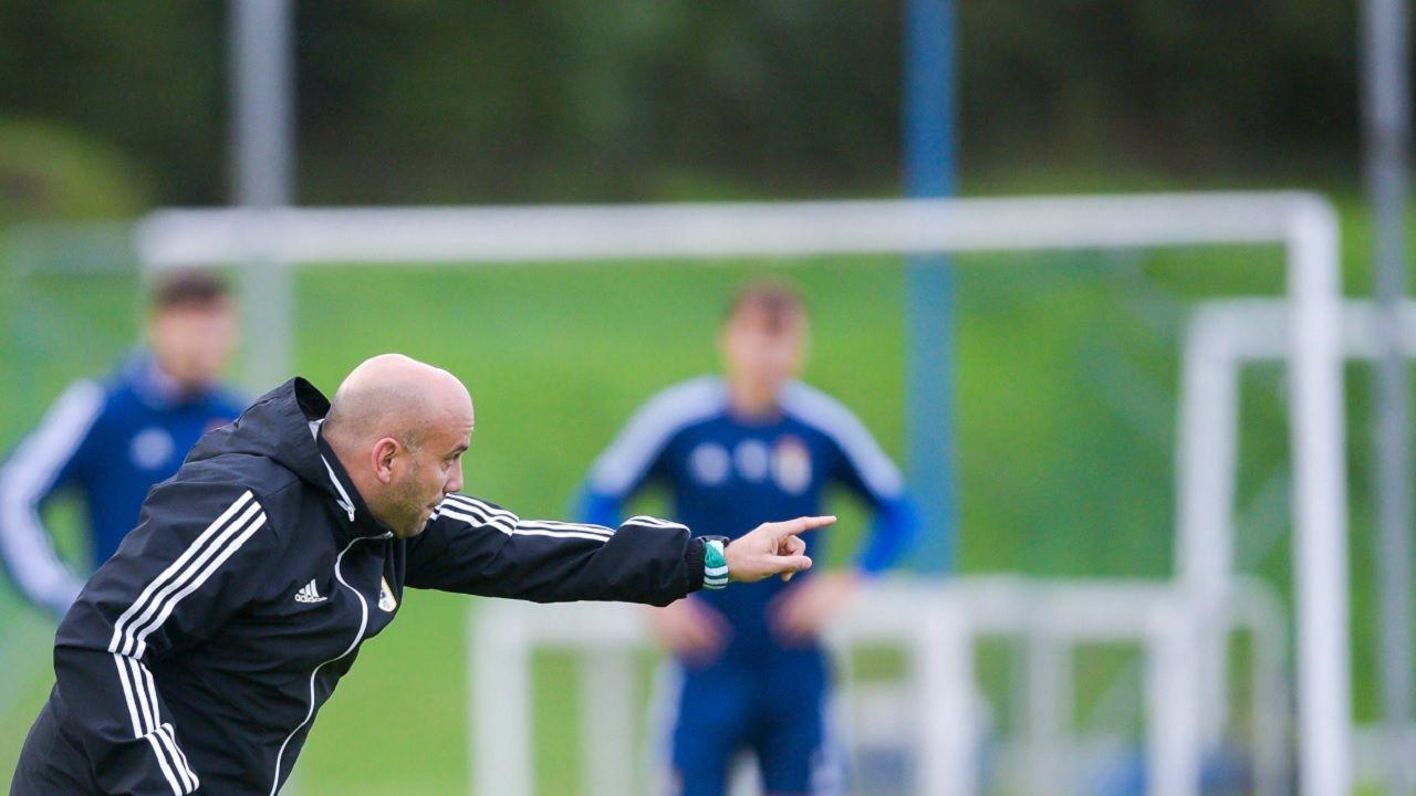 convocatoria entrenamiento Requexon Real Oviedo.Javi Rozada, durante un entrenamiento esta semana