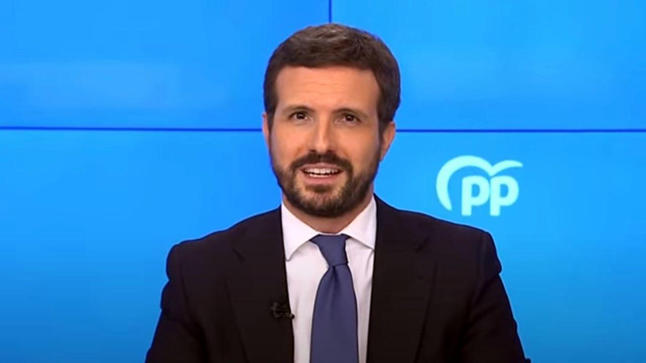 Protesta de los trabajadores de Ence.Pablo Casado, anunciando por videoconferencia que el PP abandonará su sede de la calle Génova, en Madrid