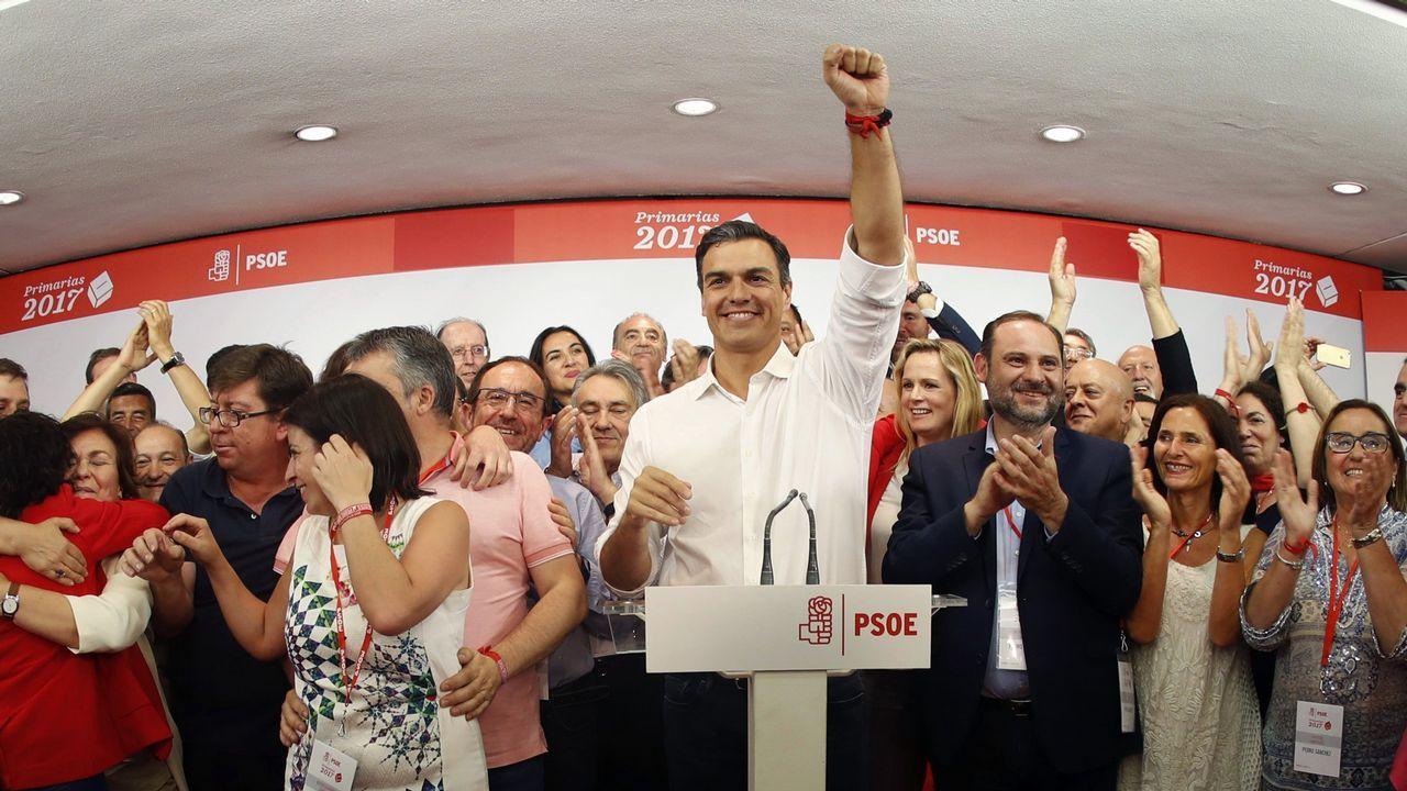 Susana Díaz pide a Pedro Sánchez que no le haga elegir entre el PSOE y Andalucía.Pedro Sánchez