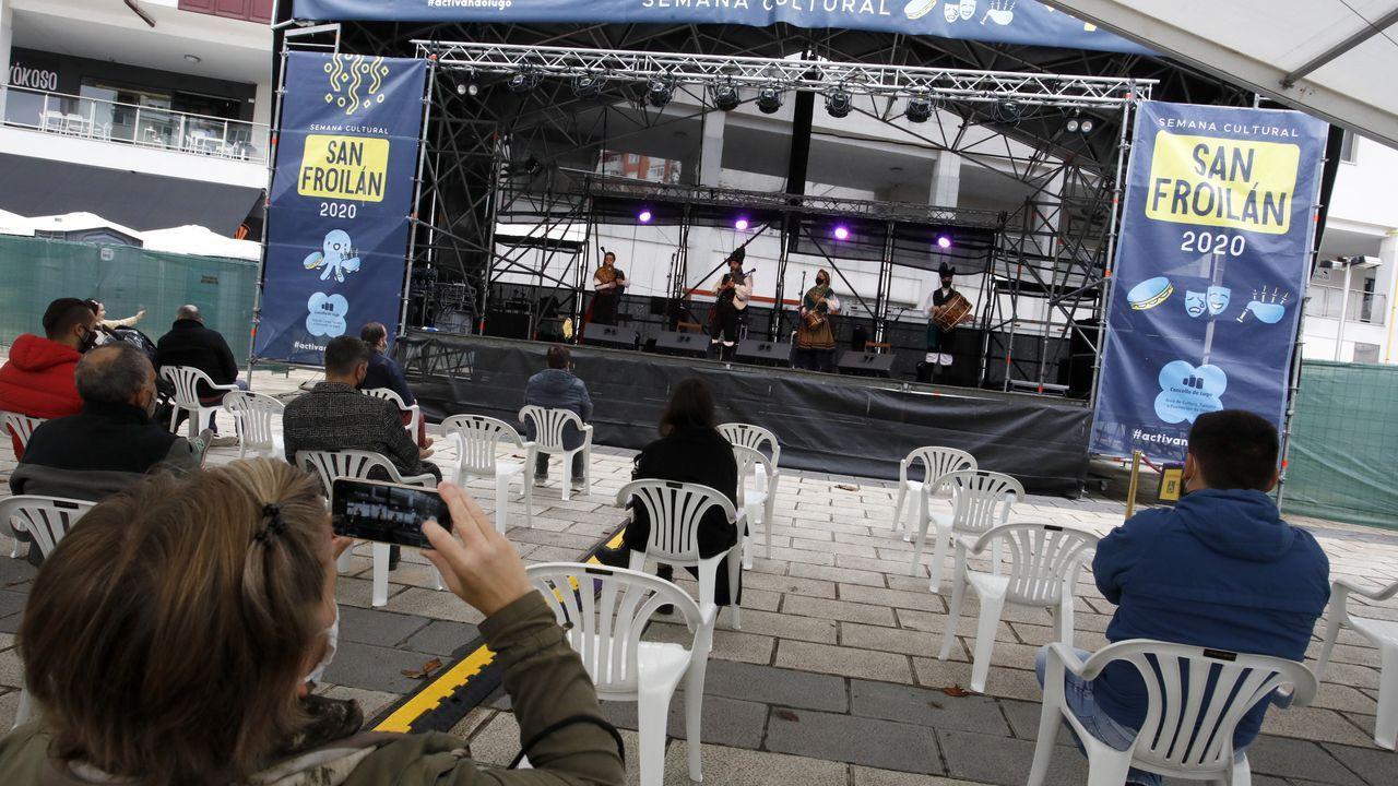 En los conciertos de la sesión vermú hubo pocos asistentes