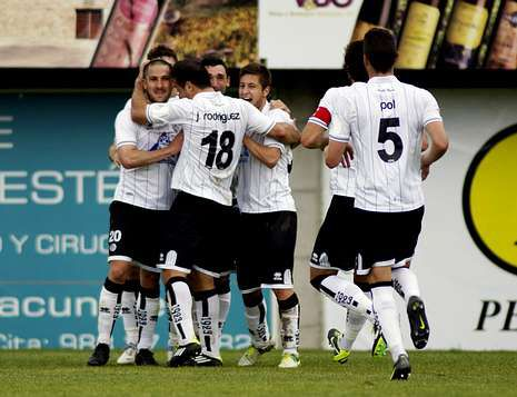 Foto republica.La UD Salamanca jugó en O Couto uno de sus últimos partidos oficiales.