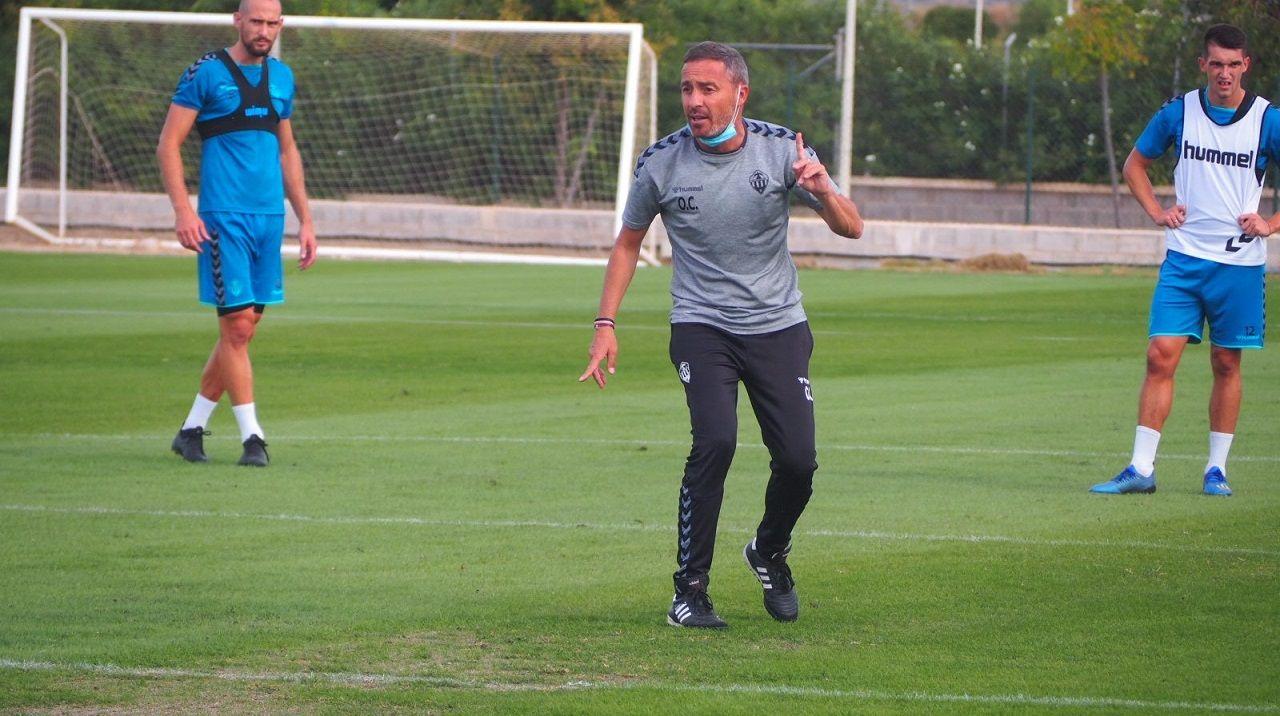 Ziganda Real Oviedo Deportivo Carlos Tartiere.Óscar Cano en un entrenamiento del Castellón