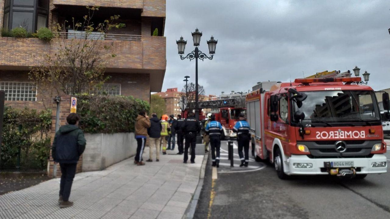 Intervención de los bomberos en el edificio