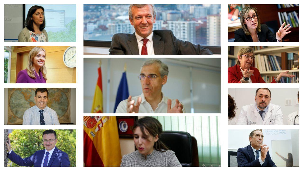 Todos los Gobiernos de Feijoo.Feijoo firmando los nombramientos de los nuevos conselleiros, este domingo en Monte Pío