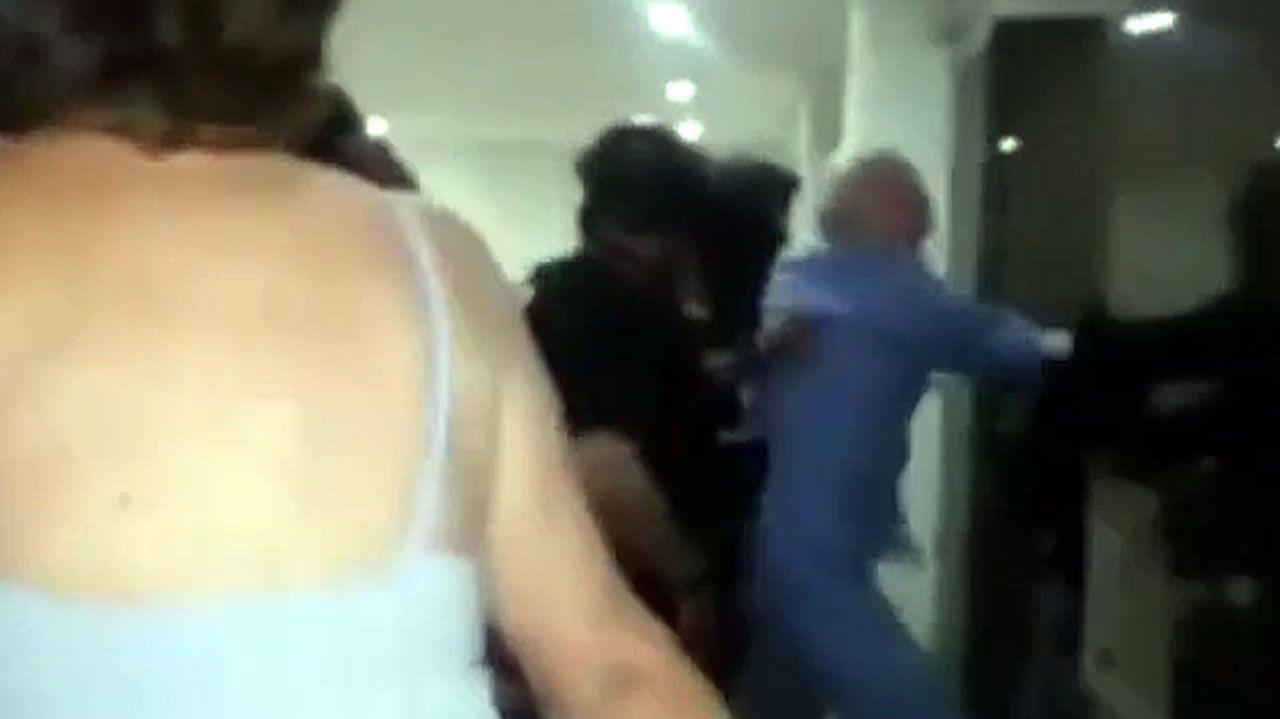 Las imágenes de la detención de Leopoldo López y Ledezma en Venezuela.Rueda de prensa de partidos opositores al chavismo en Caracas tras la detención de Leopoldo Lopez y Antonio Ledezma