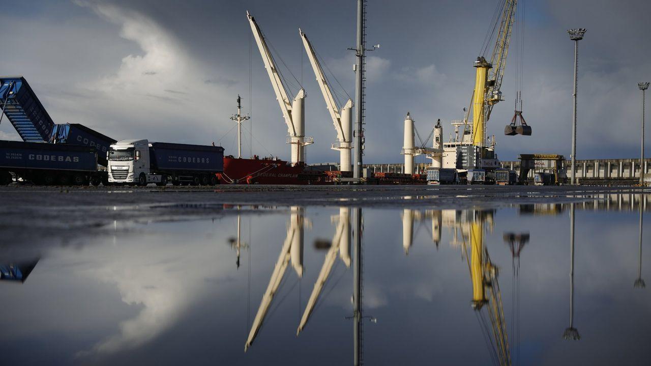 Las imágenes de la cumbre sobre el futuro del puerto de A Coruña.Recreación virtual del resultado de las obras en marcha en el entorno de puente romano