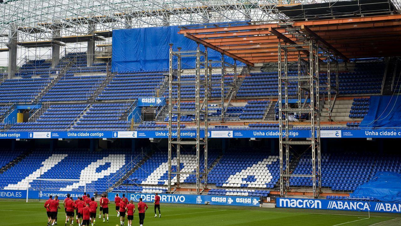 Imagen de la grada de Marathón durante el entrenamiento de ayer del Deportivo