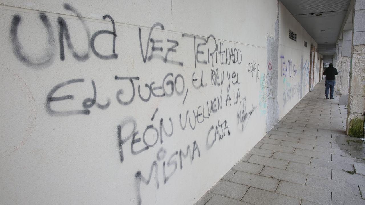 Urbanización abandonada Costa Nariga, en Carballo.