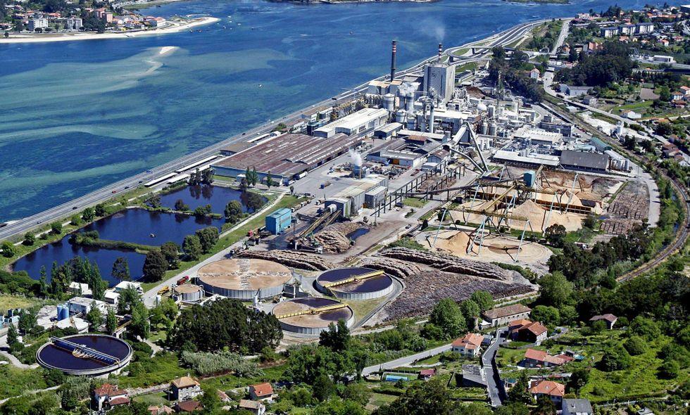 La factoría de Elnosa está integrada en el complejo industrial de Lourizán.