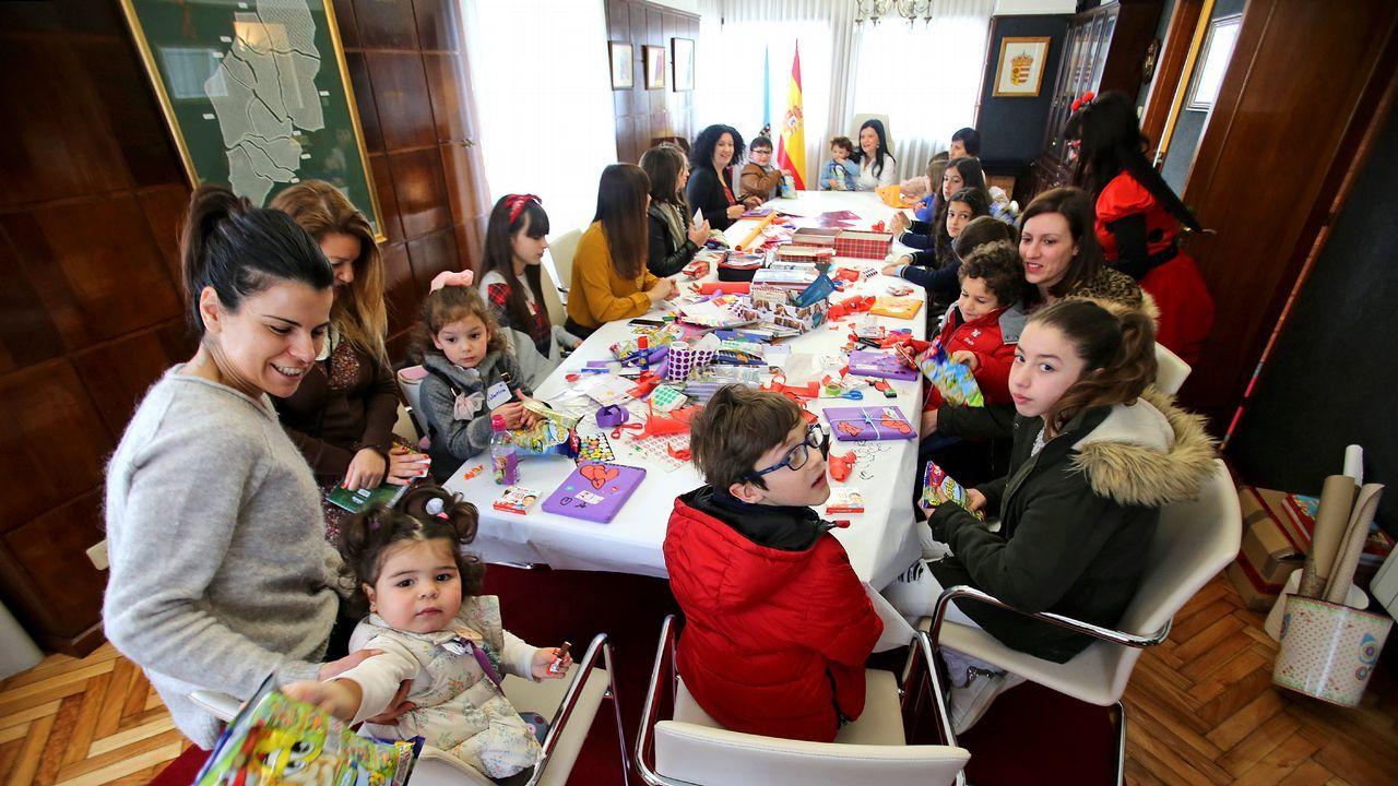 Los hijos de las funcionarias de Mos vieron cómo trabajan sus madres. El gobierno local quiso poner en valor sus tareas