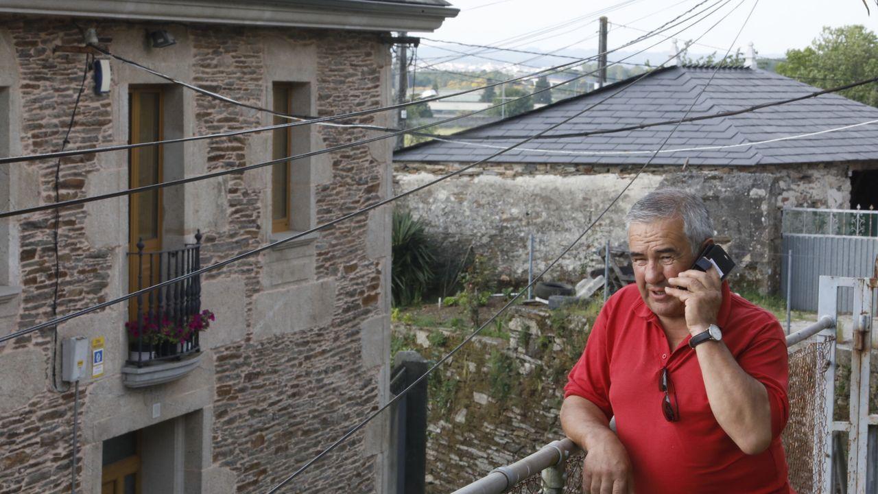 Escaso tráfico y menos controles en la frontera entre Ourense y Zamora.Ángel Rodríguz, vecino de Esperante, municipio de Lugo, donde no hay cobertura de Internet ni de móvil