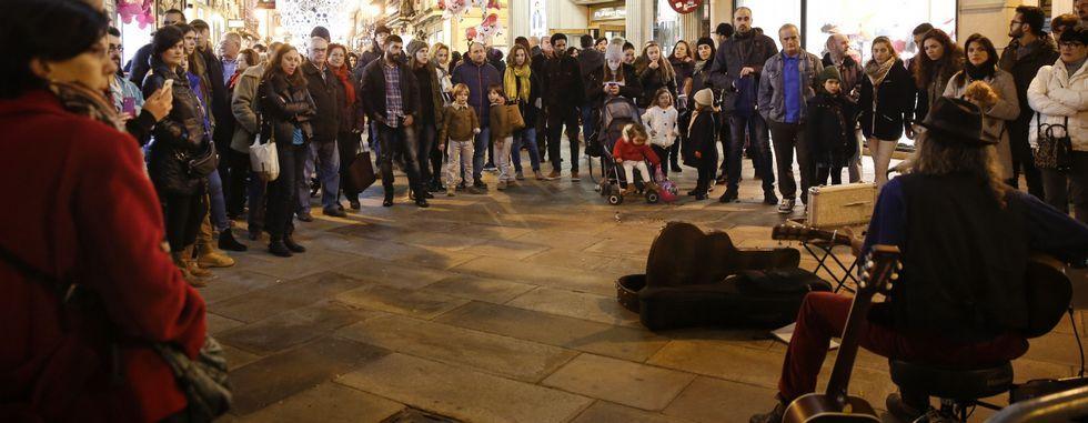 Las actuaciones en la calle congregaron a numeroso público.