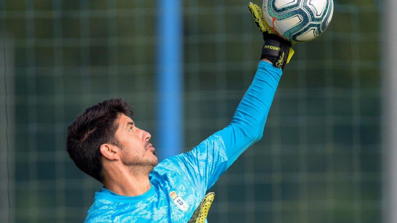Hector Nespral Mikel Merino Real Oviedo Osasuna Carlos Tartiere Horizontal.Nereo Champagne en El Requexón