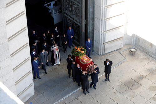Imagen del traslado de los restos de Franco
