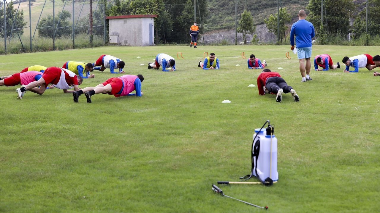 Primer entrenamiento de Nacho González con el Dépor.Duscher, en la ciudad deportiva de Abegondo