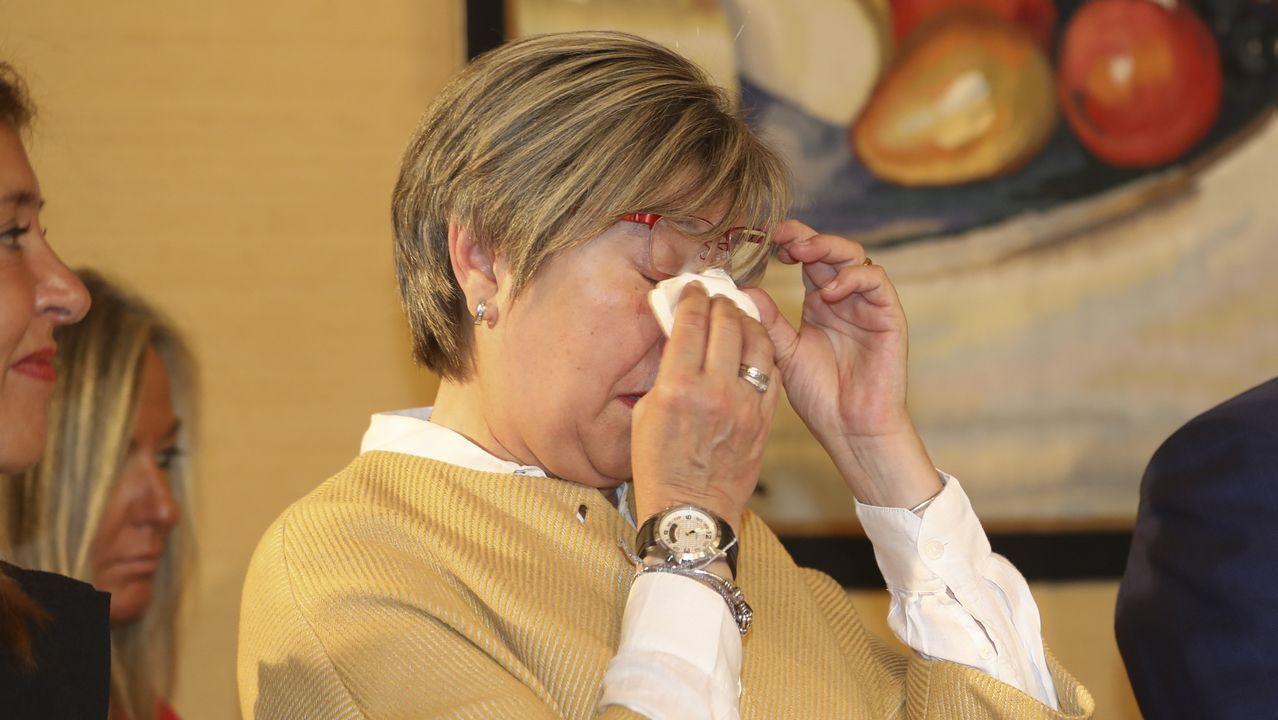 Rosa Quintana se emocionó tras la palabras de despedida de Beatriz Mato.