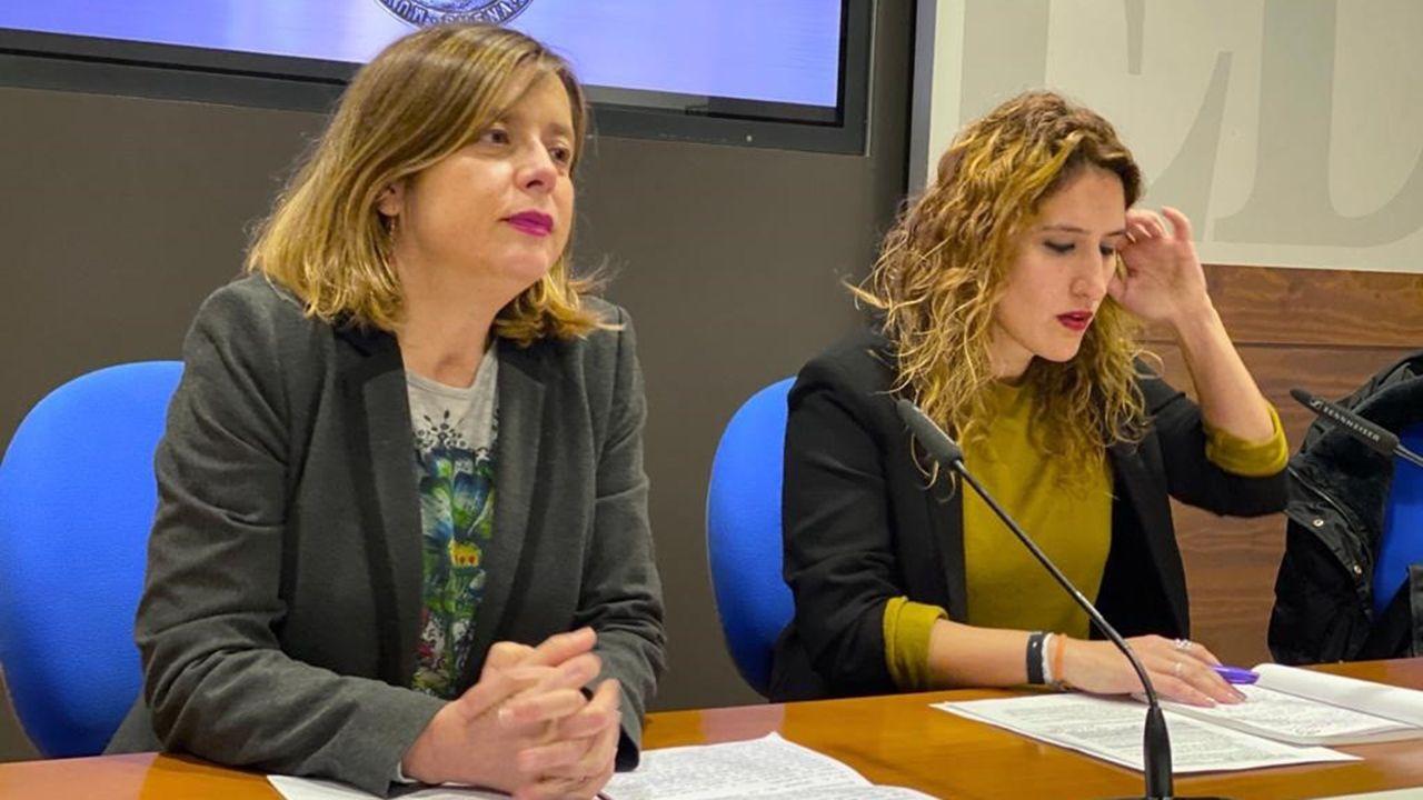 La portavoz de Somos Oviedo, Ana Taboada, y la edil Anabel Santiago