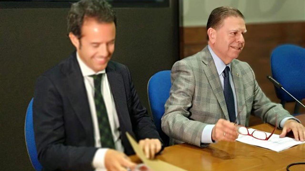 Los cinco años de reinado de Felipe VI en imágenes.El alcalde de Oviedo, Alfredo Canteli y el teniente de alcalde, Ignacio Cuesta