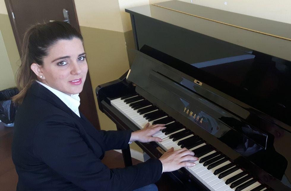 Julie Fernández, diputada belga de origen asturiano.SISSOKO EN SU ETAPA EN EL PSG (2013/14)