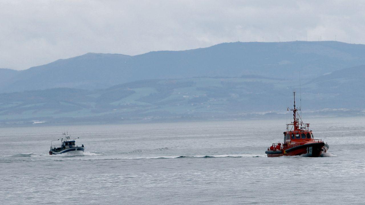 La Salvamar Alioth remolcando a un pesquero, en una imagen de archivo