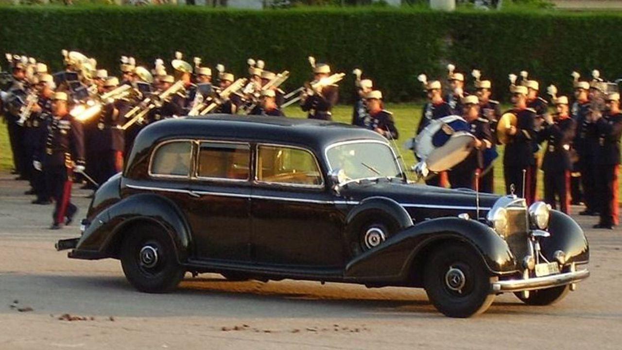 Imagen actual de la Limusina Mercedes 770 que Hitler regaló a Franco, en la que viajaba cuando se produjo el atentado organizado por la guerrilla asturiana en 1949