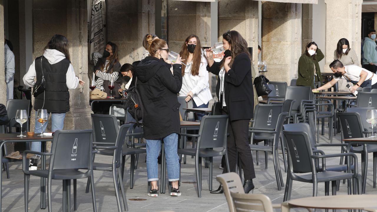 Las terrazas vuelven a la vida en A Coruña