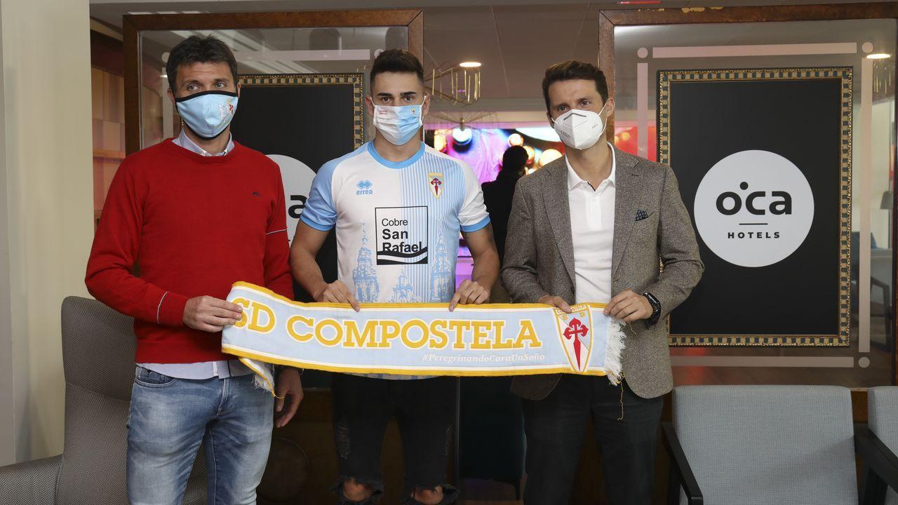 Las mejores imágenes del primer amistoso del Dépor en Riazor.El Deportivo disputó el sábado en Vilalba su primer amistoso con público