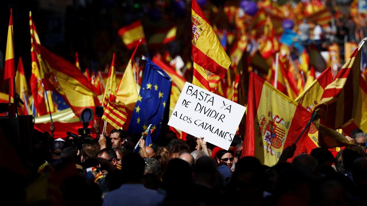 8-O: la gran movilización en defensa de la unidad de España, en imágenes