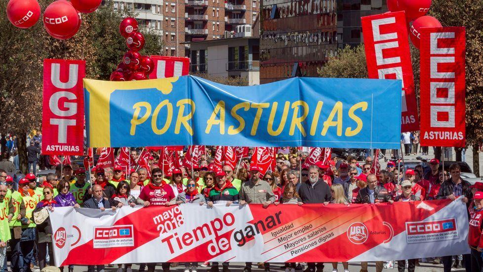 Presentación de las nuevas innovaciones de red deVodafone en Galicia.Vista de la manifestación convocada por CCOO y UGT de Asturias en Langreo (Asturias), con motivo del Día Internacional del Trabajo bajo el lema  Tiempo de ganar: igualdad, mejor empleo, mayores salarios, pensiones dignas