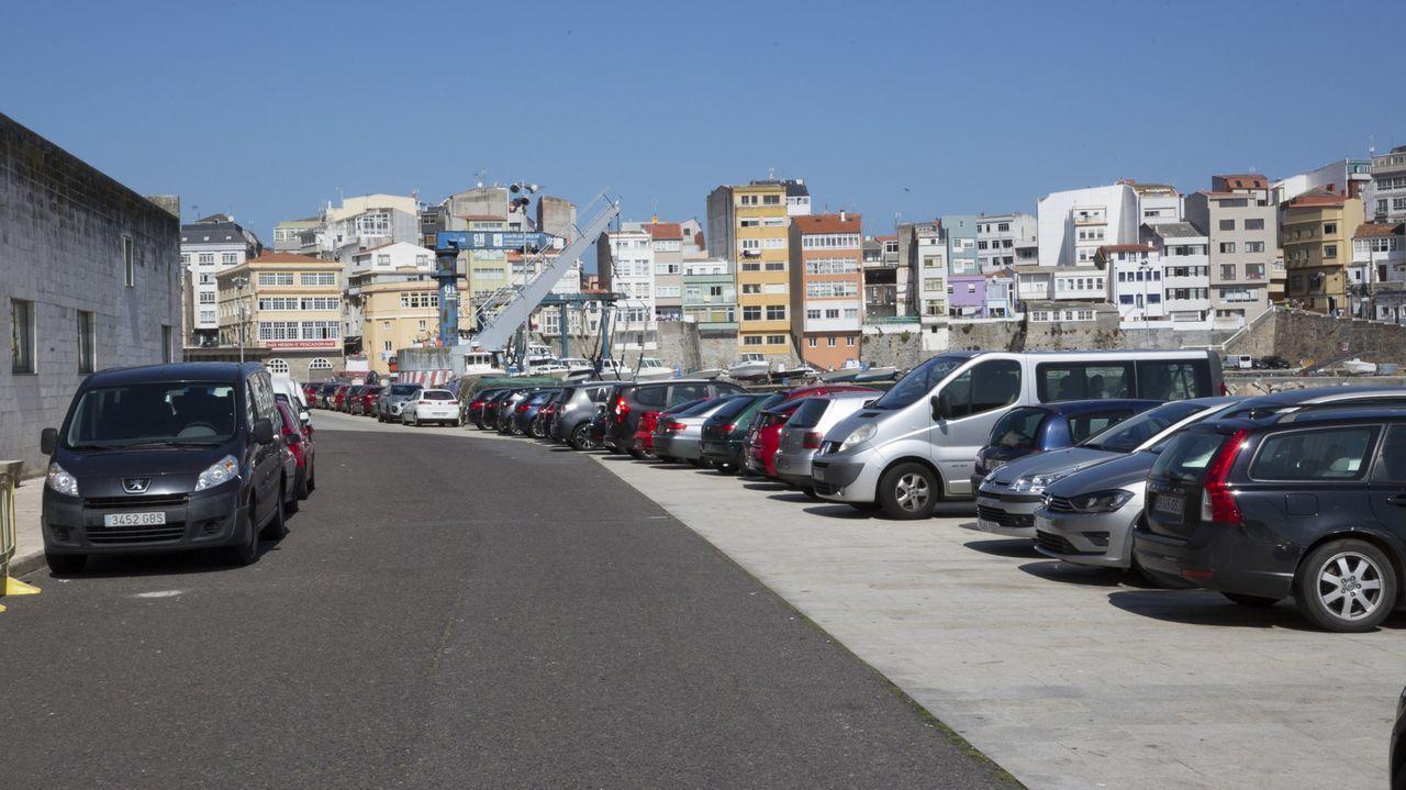 Cribado en Laxe.Vista del puerto de Malpica
