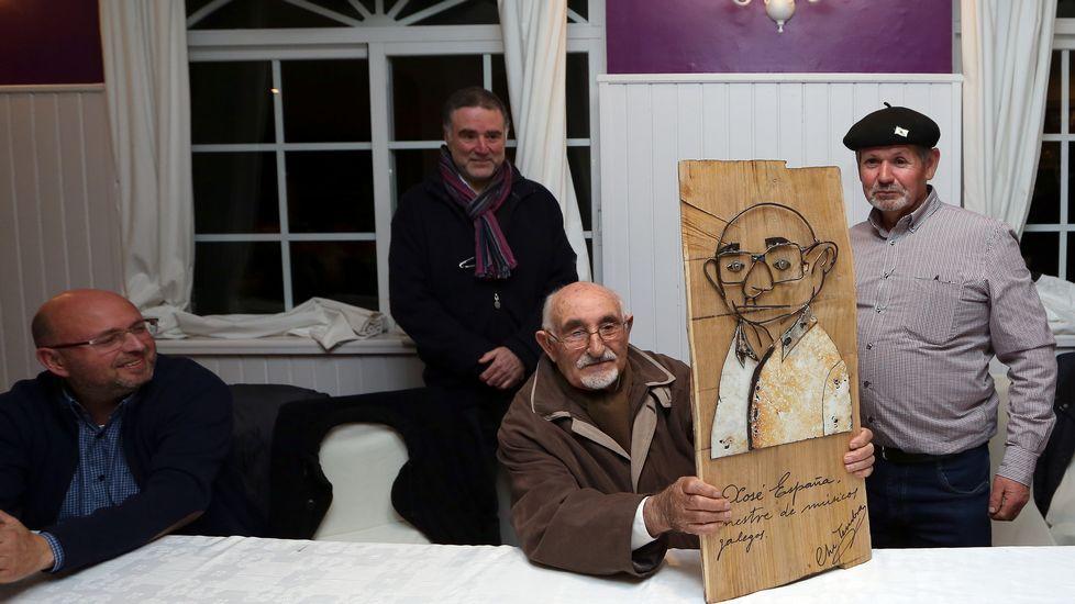 Búscate en el homenaje que Barbantia rindió a Xosé Ramón España