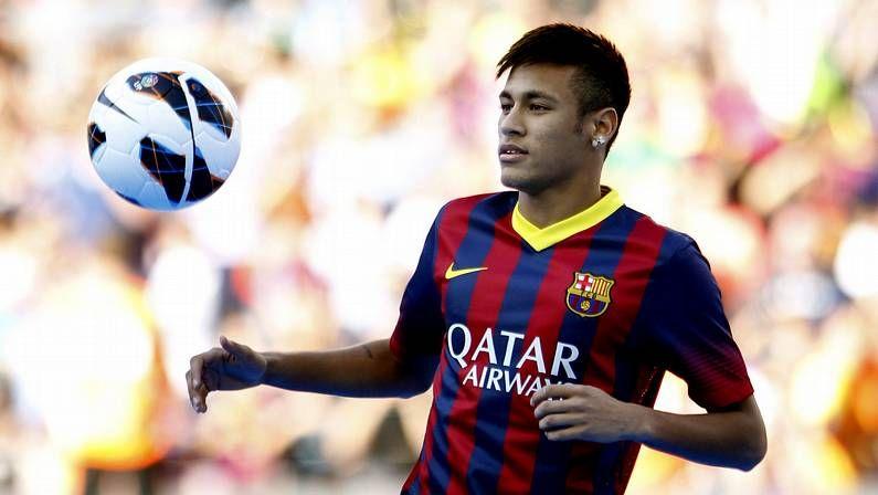 Primer día para Tata Martino y Neymar en el Barça.Público durante la Copa Confederaciones en Brasil