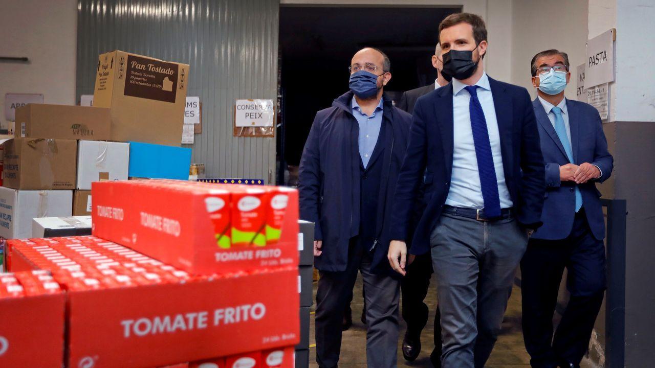 Pablo Casado, este viernes, en el Banco de Alimentos de Reus