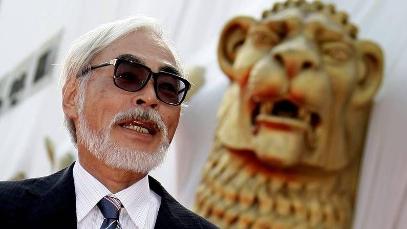 Clase de zumba para recaudar fondos para el niño de Vedra con parálisis cerebral.El diector japonés Hayao Miyazaki