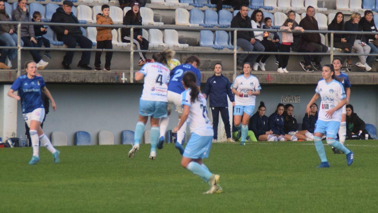 Los jugadores del Oviedo celebran la victoria ante el Rayo Vallecano