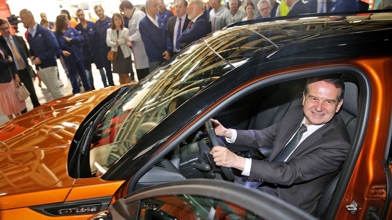 El monfortino Eduardo Iglesias se encuentra con Fernando Alonso en el desierto.Toyota Mirai