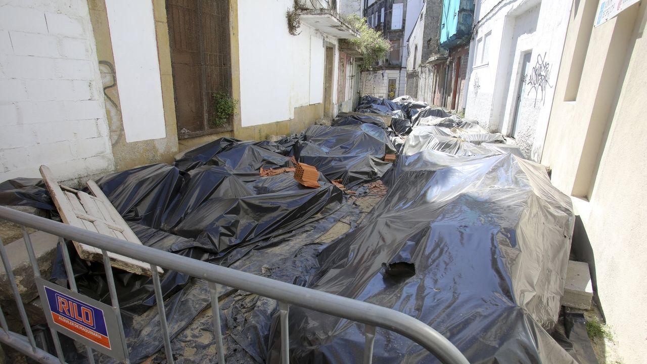 Auxilian un velero británico dañado por orcas a seis millas de cabo Prior.Estado actual de las obras en la calle Carmen Curuxeiras