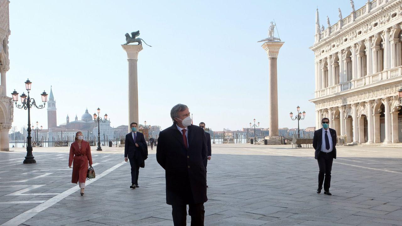 Los «cazafantasmas» del virus desinfectan por el mundo.El alcalde de Venecia cree que la pandemia ha puesto «de rodillas a la ciudad»