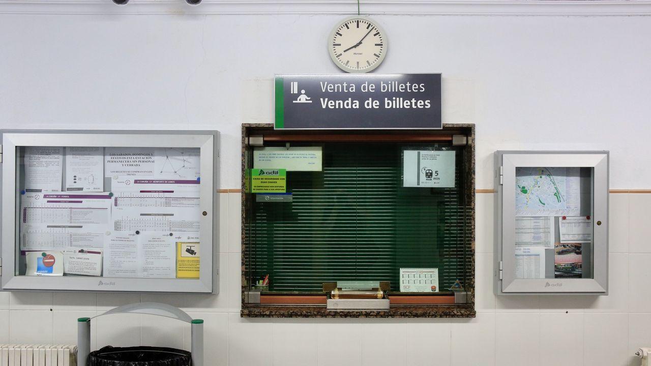 En la estación de Sarria no hay venta personal de billetes desde abril