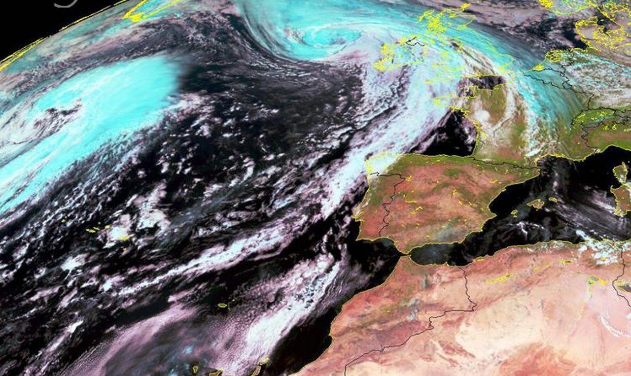 Alerta por lluvias para este domingo en Galicia.Colores de otoño en las viñas de A Ermida, en Chantada